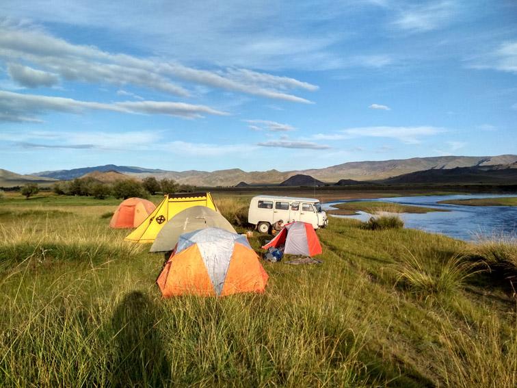 Alt-Mongolia-Selenge-Delger-Muren-rafting