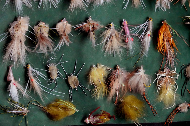 Alt-flyfishing-artificial crab flies