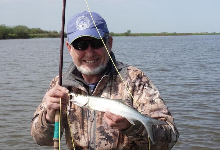 Alt-Amur-yellowcheek-flyfishing-Elopichthys bambusa