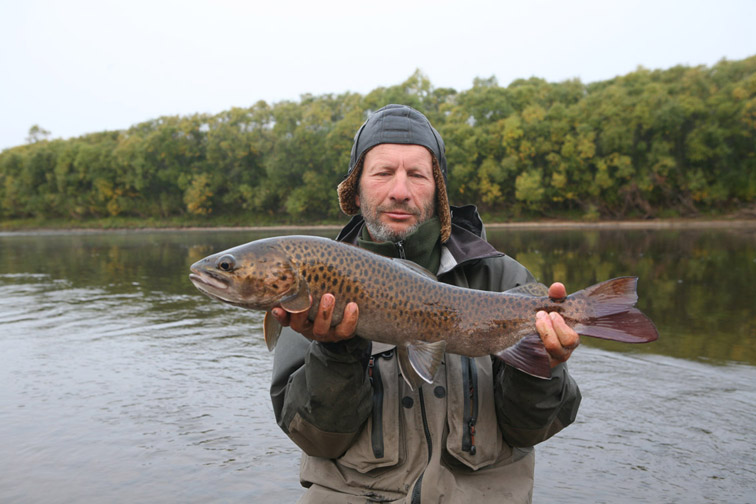 Alt-fly-flyfishing-lenok-Amur River